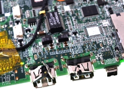 Замену чипа в ноутбуке может произвести только специалист!